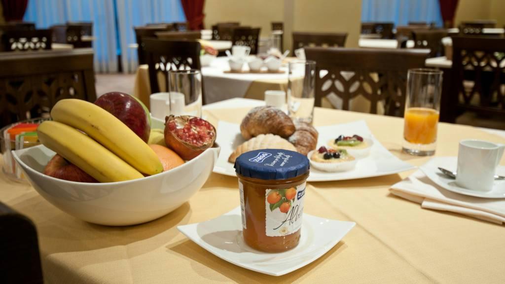 hotel-san-berardo-breakfast-6