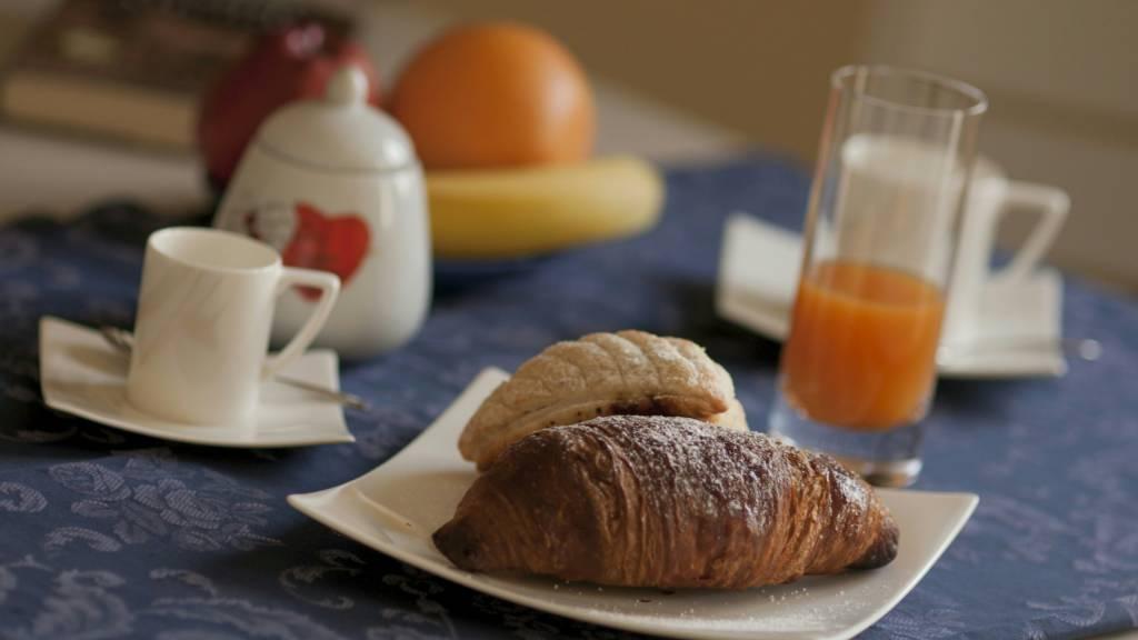 hotel-san-berardo-breakfast-7