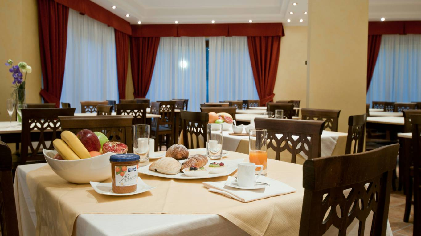 hotel-san-berardo-breakfast-3