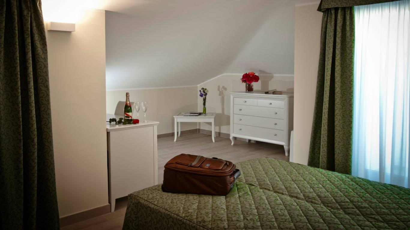hotel-san-berardo-triple-standard-1